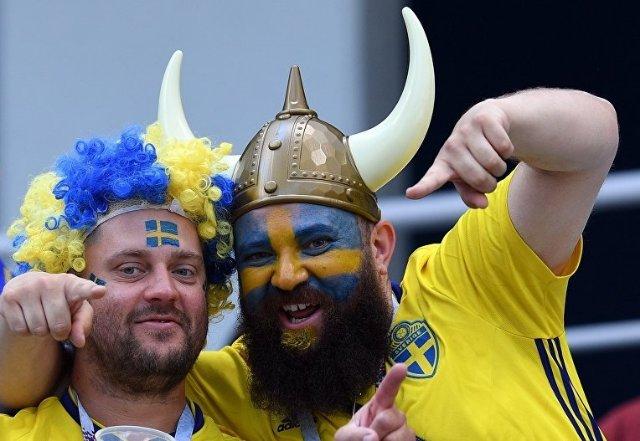 Взять с собой каску и жетон. Шведские болельщики по-своему готовятся к поездке в Мариуполь