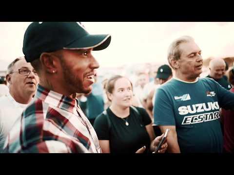 Хэмилтон в дни Гран-при Великобритании встретился с волонтёрами