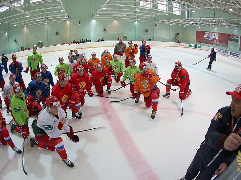 Четыре игрока покинули расположение молодежной сборной России перед сбором