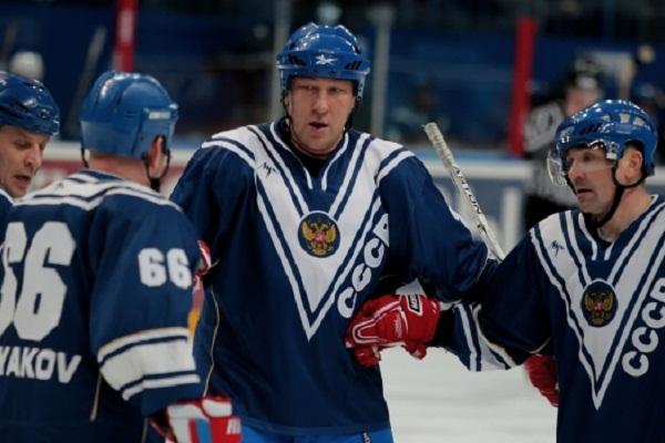 Б.Миронов: в 3 играх серии ЦСКА  СКА судьи не засчитали две стопроцентные шайбы